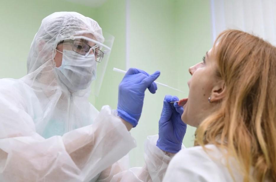 В Псковской области родители выпускников смогут бесплатно сдать тест на коронавирус