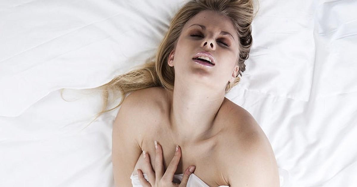 Бурный сильный женский оргазм, сфотографировал жену нагишом